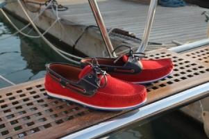 Ποιος είπε πως είναι απαραίτητο να έχετε σκάφος για να φορέσετε τα γνωστά  boat shoes  99379d5a68b